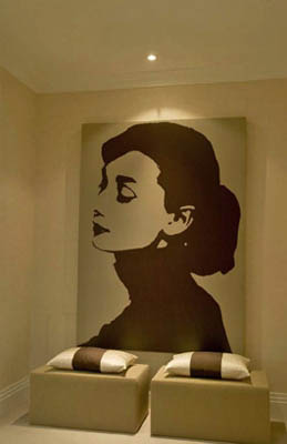 Giant black and white Audrey Hepburn print