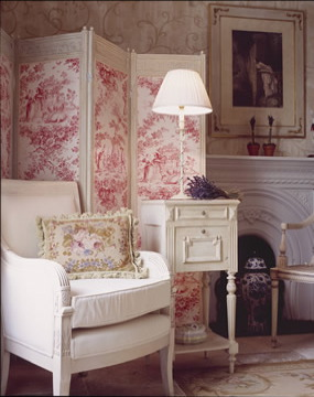 Pink toile divider for interest, texture and colour