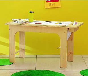 Plywood kids table