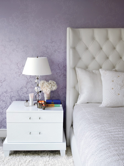 Gywneth Paltrow's purple and white bedroom