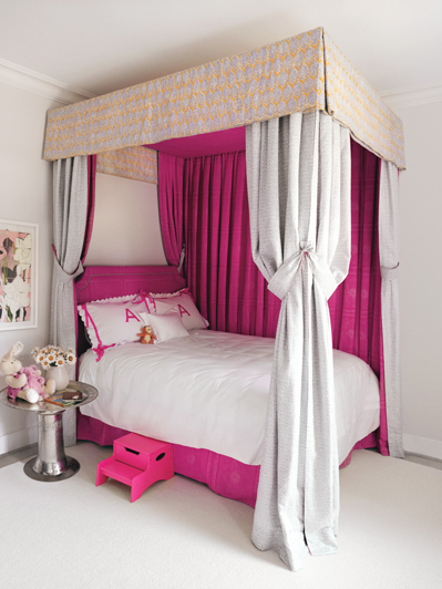 Gywneth Paltrow's daughter's deep pink and white bedroom