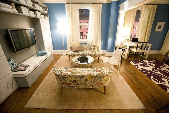 Carrie's new iving room, Sex and the City
