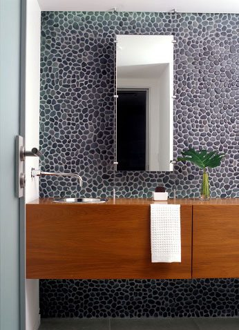 Pebbled wall, adding interest and texture, via Carlos Domenech