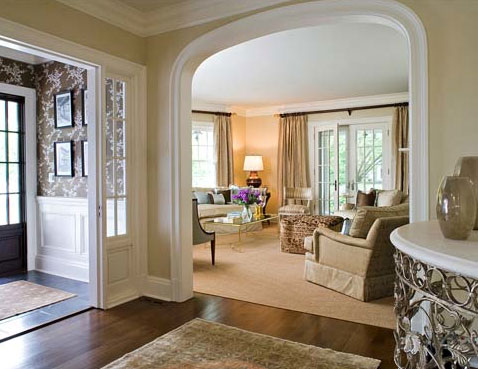 A welcoming pale entrance hall, via Sherrill Canet Interiors.