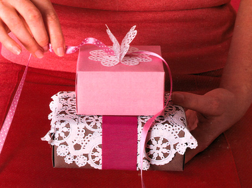 Martha Stewart used a doily to wrap a gift. Makes such a statement!