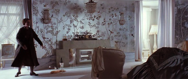 De Gournay wallpaper in Delysia's bedroom, Miss Pettigrew Lives for A Day