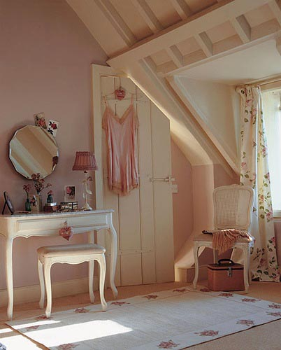 Attic bedroom with pink muted colours, via Lucyina Moodie.