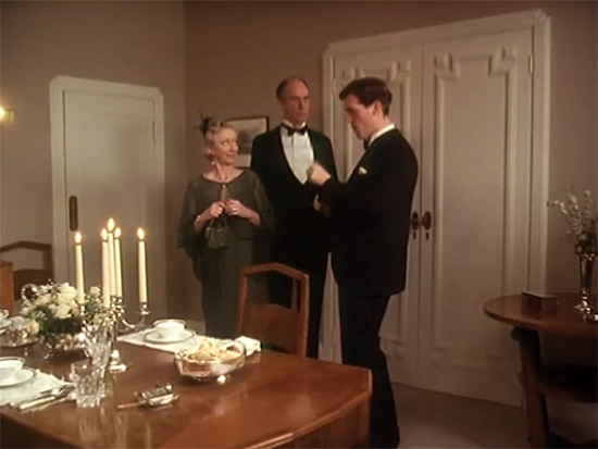 Wooster's dining room, Jeeves & Wooster