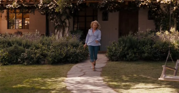 Streep striding on the paved path in It's Complicated