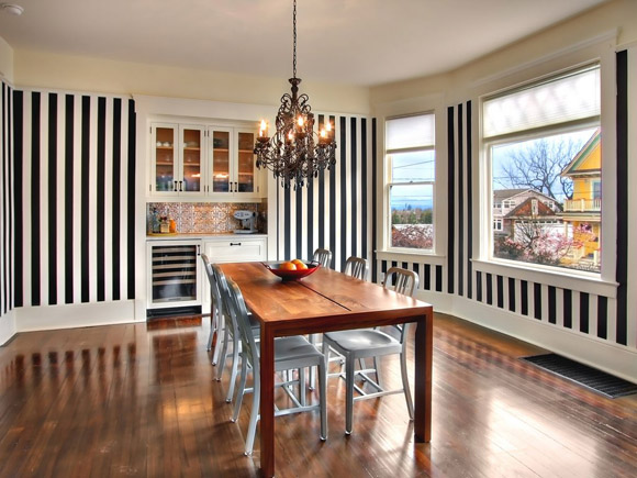 Another view of black and white striped dining room, via Flickr: ddaarryynn