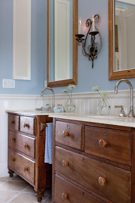 Sarah Richardson's farmhouse's master bathroom