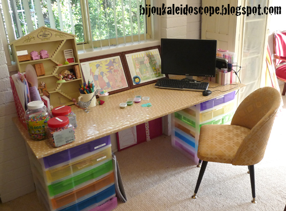 Melamine board as desktop