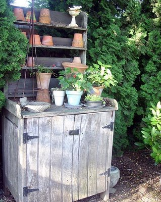 Much more rustic potting bench, via Lisa Kaus
