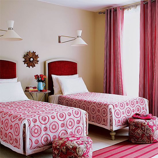 Red and pink twin bed room