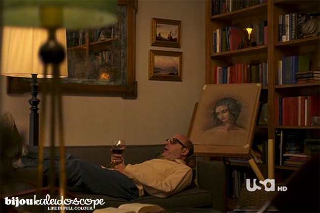 Mozzie laying on the couch with Leda watching over him, White Collar @bijoukaleidoscope